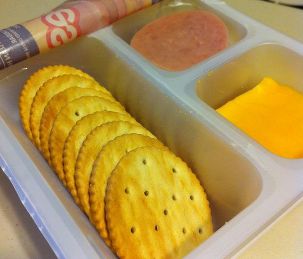american-school-lunch2