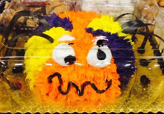 アメリカ ハロウィン用の気持ち悪いケーキ