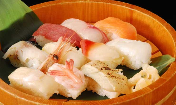 アメリカじゃ寿司屋は韓国人や中国人が経営している