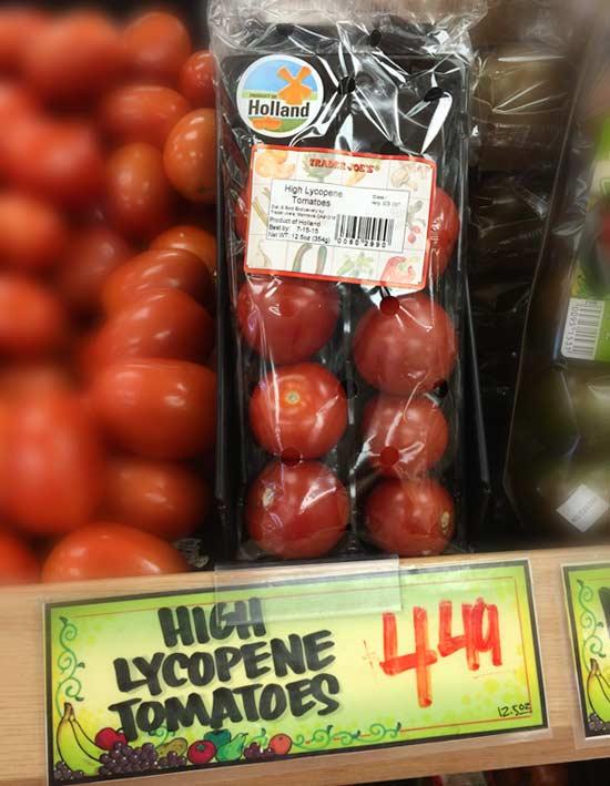 トレジョのトマト売り場にある「トレーダージョーズおすすめのトマト「High-Lycopene-tomatoes」」