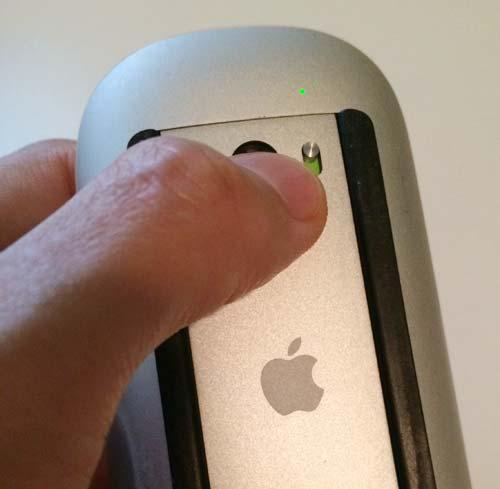 iMacのマジックマウスの電池交換