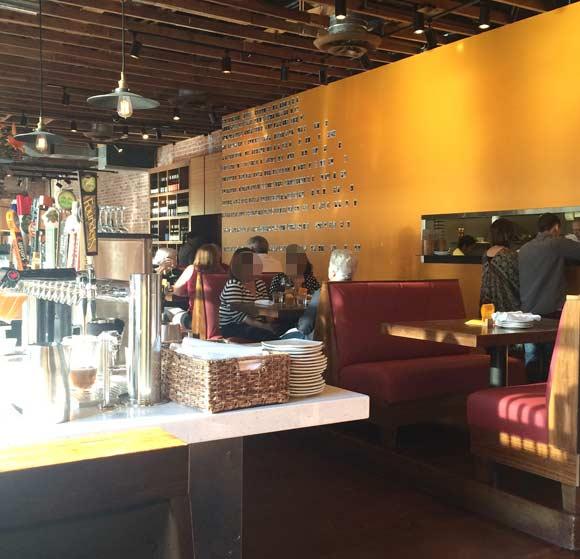 アリゾナの美味しいレストラン Postino 店内様子