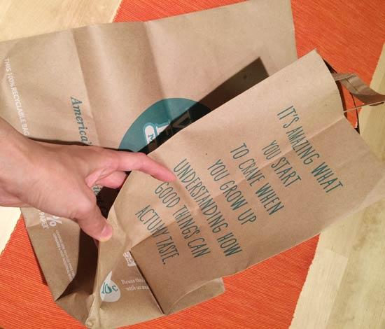 ホールフーズマーケットの紙袋