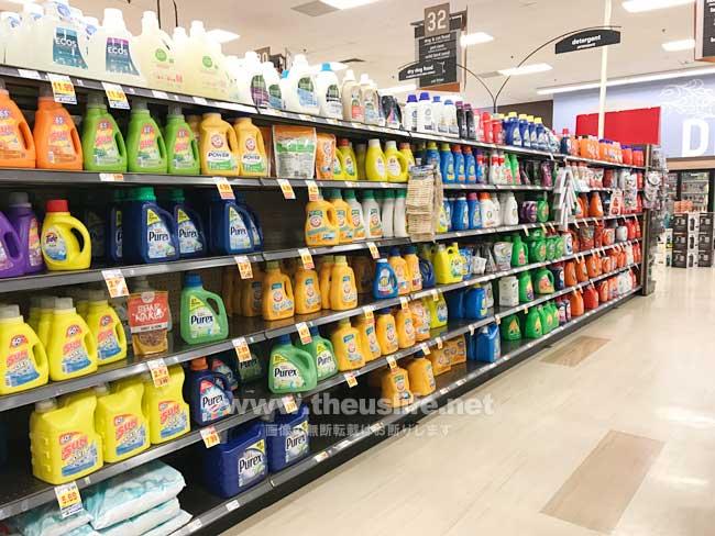 アメリカの洗濯用洗剤が売ってある通路