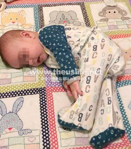 生後4ヶ月の赤ちゃん寝返りの瞬間!