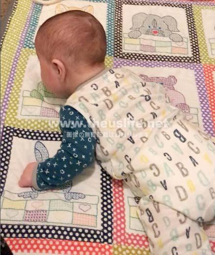生後4ヶ月の赤ちゃん寝返りの瞬間!3