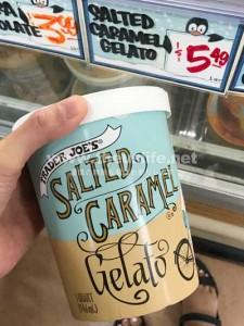 Trader Joe's 塩キャラメルのアイス