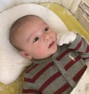 ラルフローレンのベビー服(新生児用 3ヶ月用を着用)