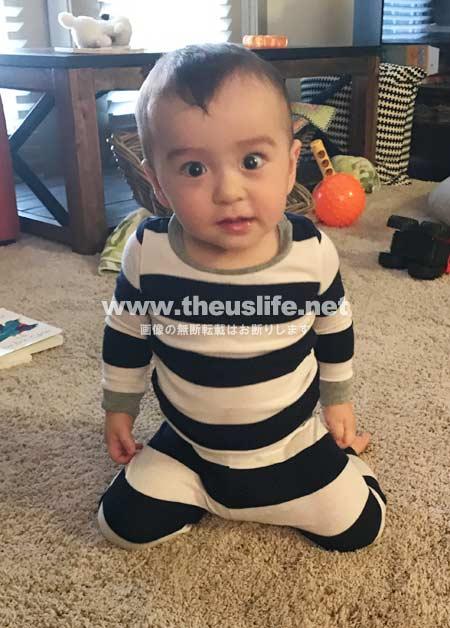生後十ヶ月の日米ハーフの両目二重まぶたになった赤ちゃん
