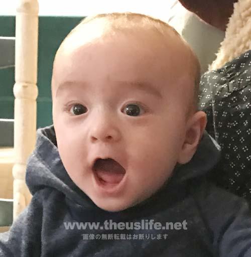 生後四ヶ月の日米ハーフの両目二重まぶたになった赤ちゃんの顔