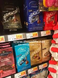 アメリカのスーパーに並ぶリンドールのチョコレート