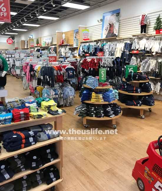 Carter'sの子供服売り場(男の子)店内の様子
