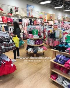 Carter'sの子供服売り場(女の子)店内の様子