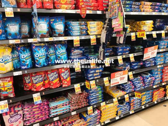 アメリカのスーパーのオレオ売り場