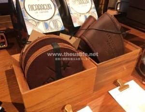 スターバックスリザーブロースタリーの革製コースター