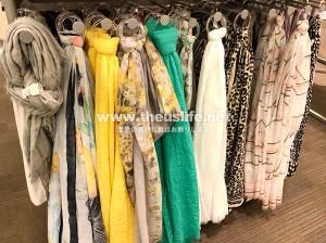 ターゲット店内のスカーフ