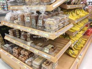 ターゲットのパン売り場