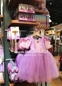アメリカのディズニーストアの女の子用ピンクのドレス