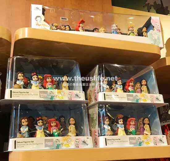 アメリカディズニーショップ内の人形セット
