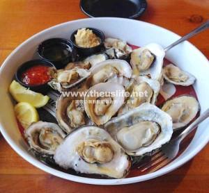 デイトナビーチ付近のレストラン「オーシャンデックレストラン&ビーチクラブ」の牡蠣