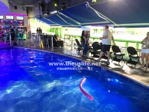 マーリンズ・パーク内のプール
