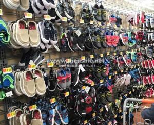 Walmart(ウォルマート)子ども用靴売り場