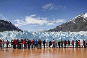 アラスカ氷河クルーズの様子