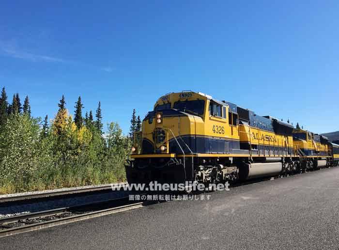 夏のアラスカ鉄道