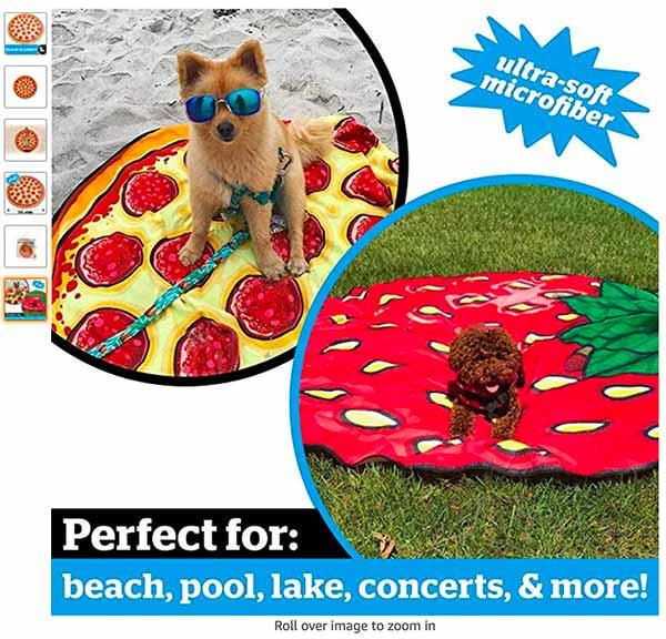 巨大ピザのビーチタオル